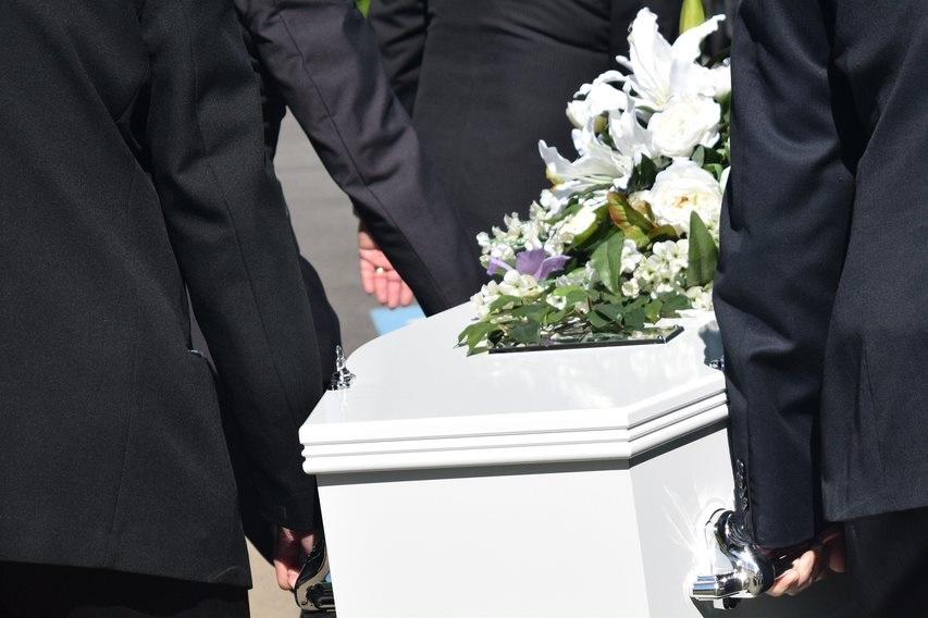 Comment vivre des rites de deuil malgré le confinement ?